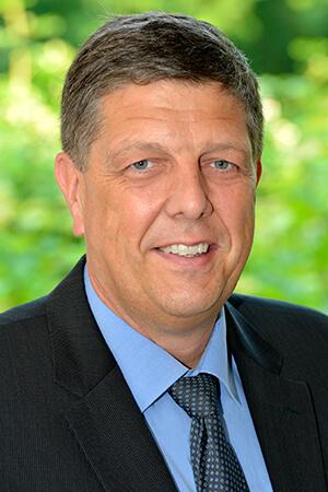 Dr. Weigand